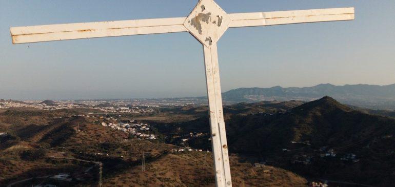 13 de Junio 2021 Cerro la Peluca (Málaga), un paseo geológico por las areniscas fluviales del Permotrias de hace 230Mll años. Aula museo de geología (Málaga)