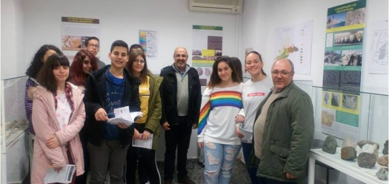 8 de Marzo 2018. Visita alumnos IES Ben Gabirol Aula museo de geologia (Málaga)